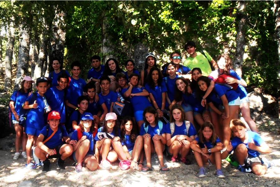 Foto de grupo de niños del campamento de verano